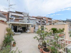 Cele mai bune 10 apartamente din Giardini Naxos, Italia   transroute.ro